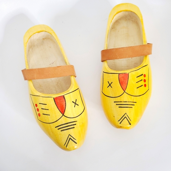 Holland Dutch Klompen Yellow Carved Wooden Clogs